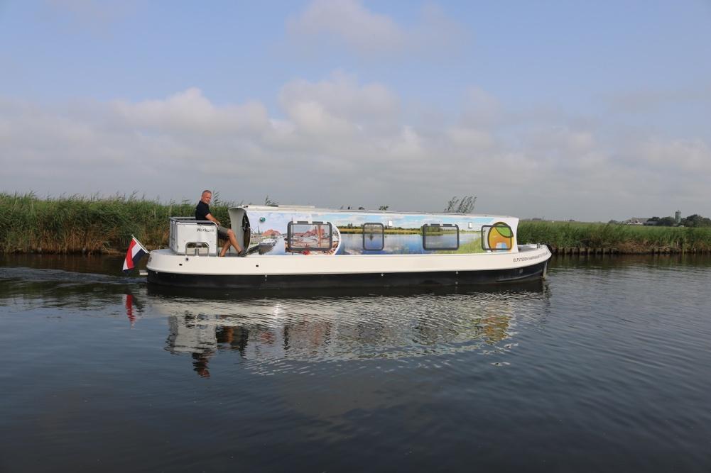 Elektrisch motorjacht huren in Friesland